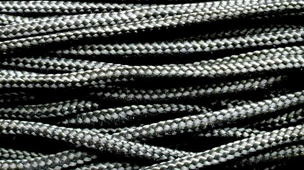 paracord strands